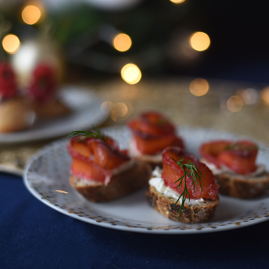 Crostini with salmon